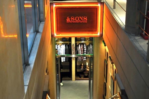 ユナイテッドアローズ 原宿本店 メンズ館 地下「UNITED ARROWS&SONS」エントランス