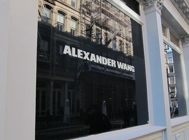 初のAlexander Wang路面店の外観