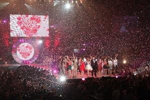 夏フェスa-nation×ガールズアワード 渋谷で初の野外ショー開催