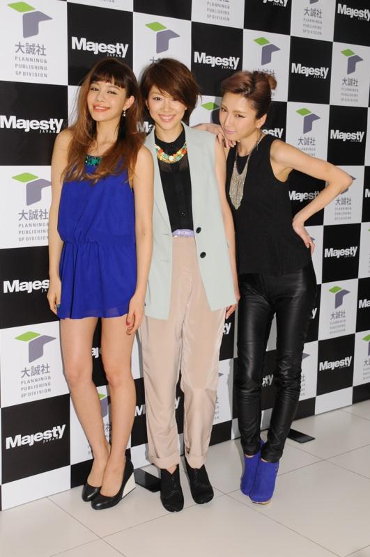 中央:ファッション誌モデル初挑戦の潮田玲子(Majesty JAPAN発表イベントにて)