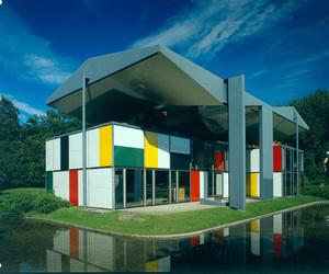 スイスブランドの作品が展示されるデザイン展 東京オペラシティで開催