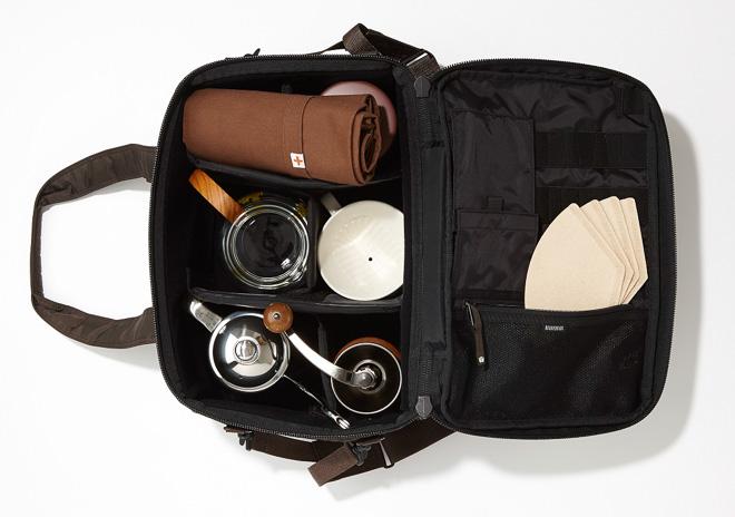 本格コーヒーの道具一式がそろうバッグ発売 トリバ×ヘッド・ポーターから