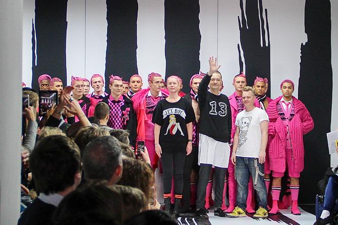 2015-16秋冬コレクションにて 左からCozette McCreery、Joe Bates、Sid Bryan