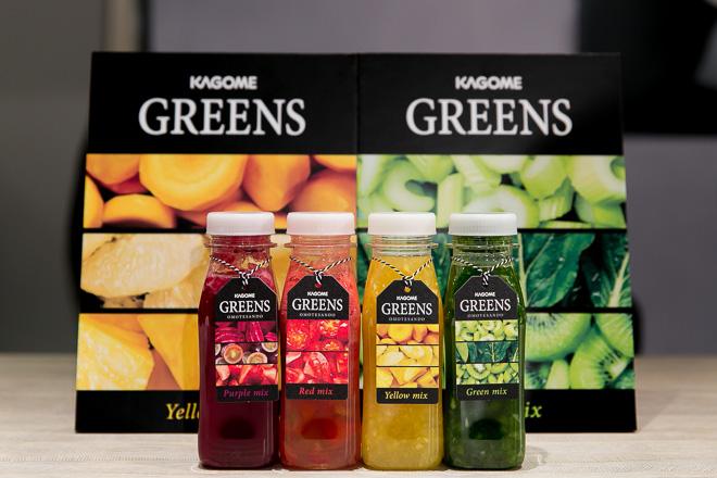 左から)Purple mix(ビート・いちご・ぶどう等)、Red mix(トマト等)、Yellow mix(黄人参・パイン・グレープフルーツ等)、Green mix(小松菜・セロリ・キウイ等)