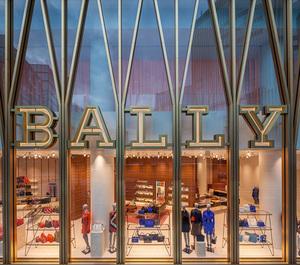 バリーの世界最大旗艦店が銀座に 100年を振り返るアーカイブ展開催も