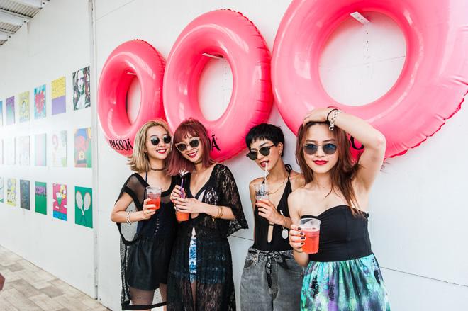 (左から)AYA、AMI、Una、藤岡マリア