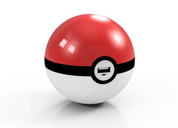 「ポケモンGO」をするときに持ち歩きたいモンスターボール型充電器の画像
