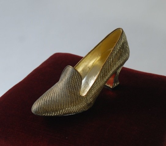 文化服装学院の学生が「シンデレラの靴」を製作の画像