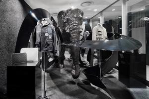 ドーバー銀座1階にルイ・ヴィトンが移転 モノグラム柄のエレファント展示も