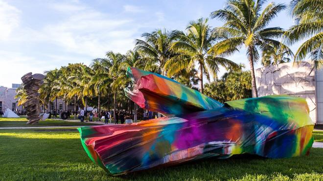 マックイーンのアーカイブも、アメリカ最大のアートイベント「アート・バーゼル マイアミビーチ」をレポートの画像