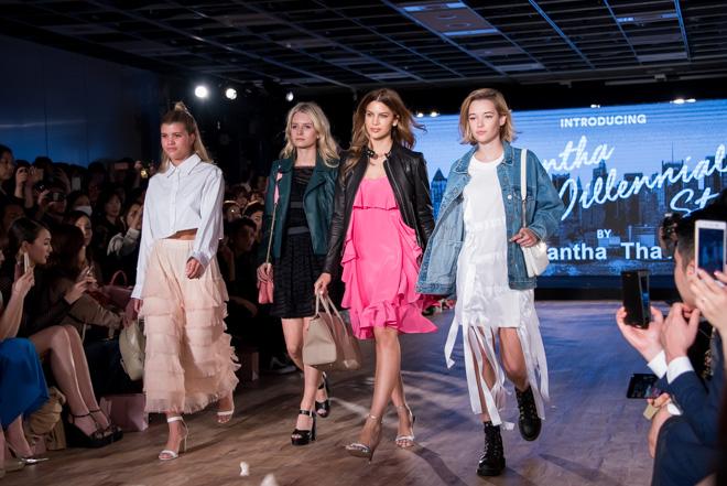 (左から)ソフィア・リッチー、ロッティ・モス、ケニヤ・キンスキー・ジョーンズ、サラ・シュナイダー