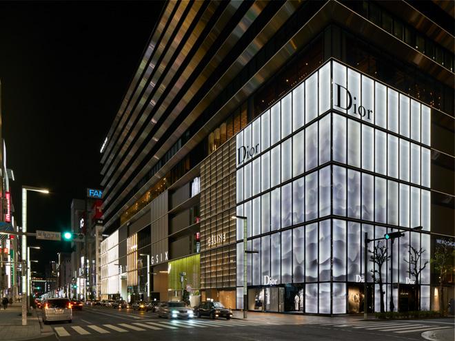 世界最大級の店舗「ハウス オブ ディオール」の外観