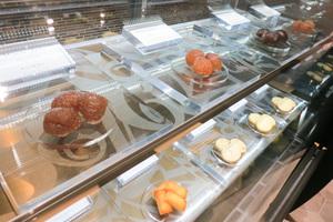 「フランク ミュラー」世界初のパティスリー併設店をギンザ シックスにオープン