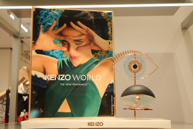 新フレグランス「KENZO WORLD」