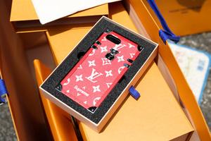 話題のコラボ「ルイ・ヴィトン×シュプリーム」が再販、大阪・名古屋・福岡の3店舗限定