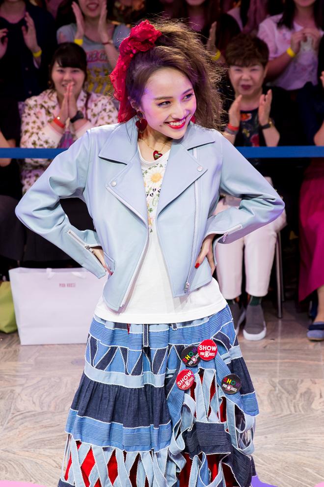 http://cdn.fashionsnap.com/news/assets_c/2017/09/momoclo-pinkhouse-20170921_002-thumb-660x990-745401.jpg