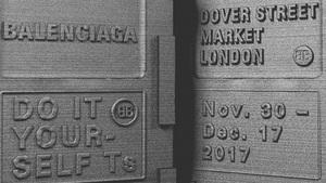 """バレンシアガの""""コピーショップ""""が英ドーバー ストリート マーケットに、人気のスニーカー限定販売も"""