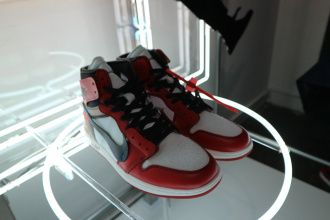 THE TEN AIR JORDAN1