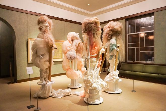 リトゥンアフターワーズ2010年春夏コレクション「神々のファッションショー」より