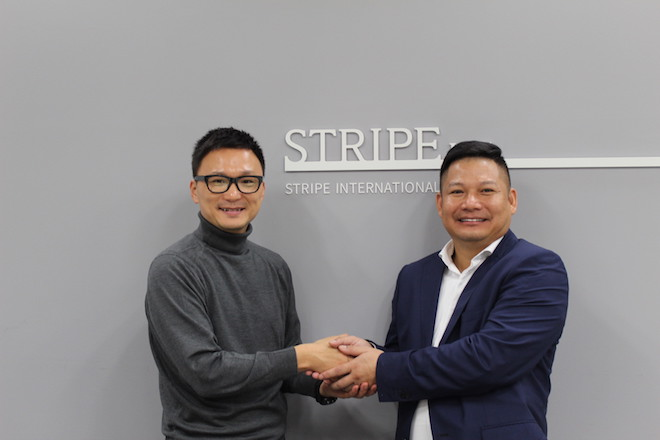 (左から)ストライプ代表取締役社長 石川康晴、NEMブランド創始者 Truong Viet Binh(トゥロン・ビエト・ビン)