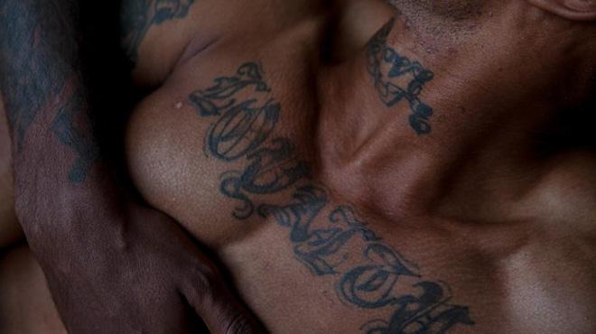 クィアの黒人写真家が再定義する「男らしさ」の画像