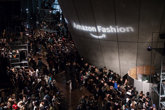アマゾンジャパンが冠スポンサーを務める東京ファッションウィークの会場