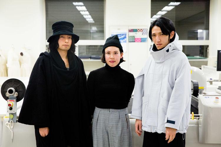 左)新津祥太、中央)井上里英香、右)鈴木淳哉