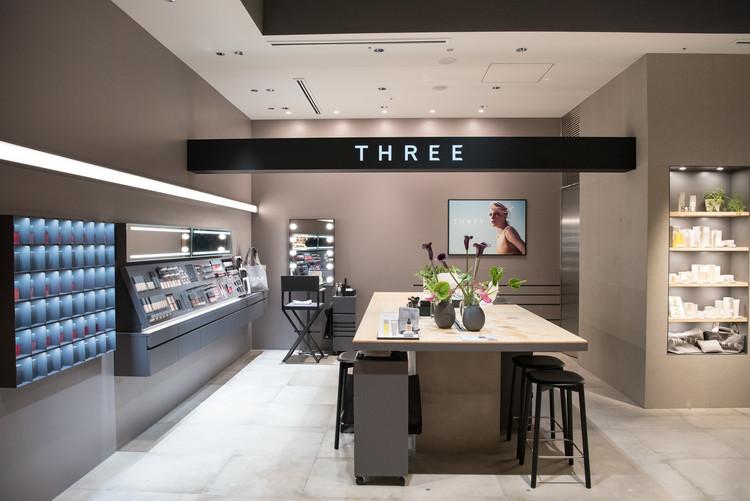 「THREE」の新コンセプトショップ