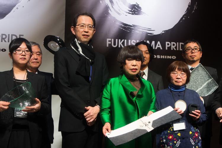 (中央左から)福島県知事 内堀雅雄、コシノジュンコ