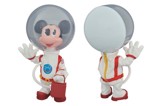 ビリオネア・ボーイズ・クラブ×メディコム・トイ、宇宙服を纏ったミッキーのフィギュア発売の画像