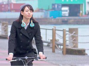 耳を塞がず音楽を視聴、自転車運転中でも安心なイヤホンが登場の画像