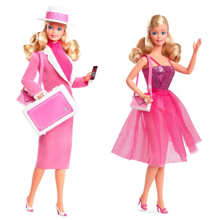 (左から)昼のスーツ、夜のドレス