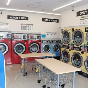 コンビニ×コインランドリー、ファミリーマートが「Famima Laundry」都内1号店オープン