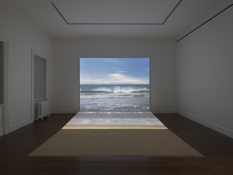 Agnès Varda Bord de Mer, 2009 Digital HD projection, Blu-ray aspect 16:9 color/sound, video, projection, sand Total running time: 1 minute, looped, 96 x 120 x 115 inches