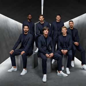 ヒューゴ ボス、サッカードイツ代表モデルのスーツ発売