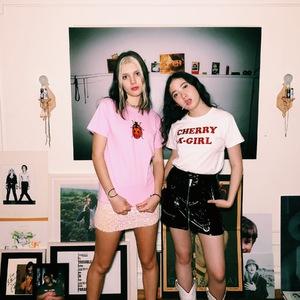 X-girlが「ヴァナ ヤングスタイン」とのコラボアイテムを発売