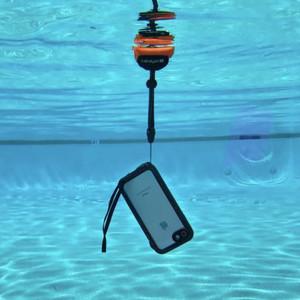 水中撮影も可能に、iPhone用防水ケース登場