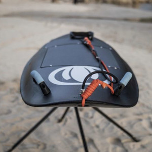 ジェットスキー感覚で波乗りが楽しめる電動サーフボードに注目