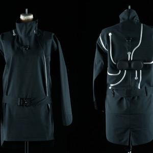アンリアレイジ、暗闇の中で空間を知覚する服の体験型展示を開催