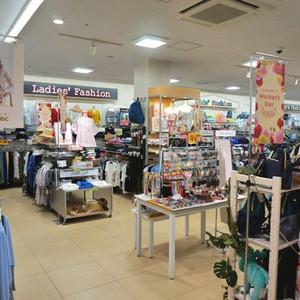 不便を解消する総合型衣料品売り場