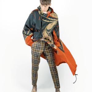 店舗ごとに異なるデザイン、ドリス ヴァン ノッテンが限定コート発売