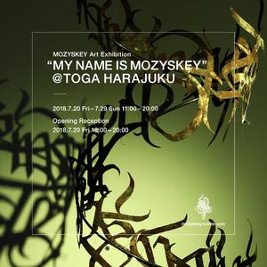 トーガ原宿店でMOZYSKEYの展覧会開催、コラボアイテムも