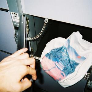 ダイレマ、Tシャツをコインロッカーに配置するイベント開催