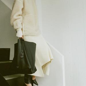 ハイク×チャコリ、素材の風合いを生かしたシンプルなトートバッグ発売