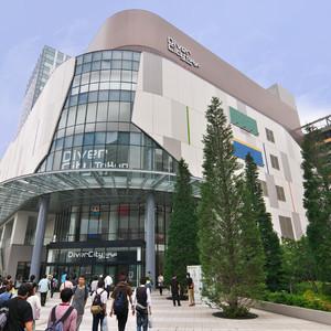 ダイバーシティ東京 プラザが初のリニューアル、VRライド上陸も