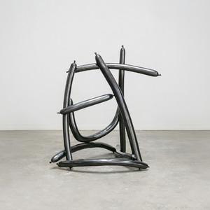 ギムホンソックの個展がペロタン東京で開催、ツイスト・バルーンの彫刻を展示
