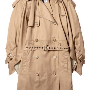 アマゾンボックスに着想したコートなど「AT TOKYO」参加6ブランドによる限定アイテムが登場