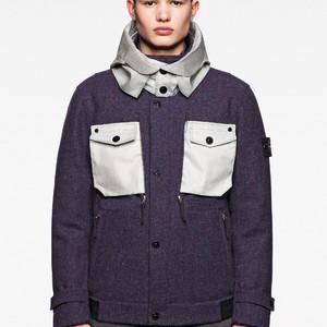 ストーンアイランドとハリスツイードがコラボ、ジャケットコートを発売