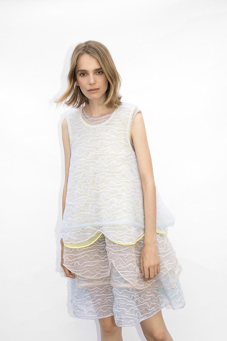 妹島和世デザインのセーター