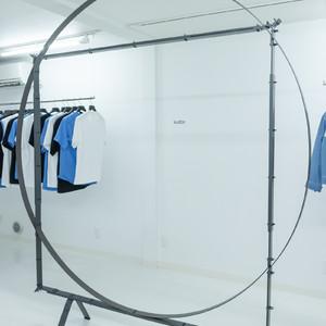 クードスが2019年春夏コレクションを発表、初のジュエリーを製作